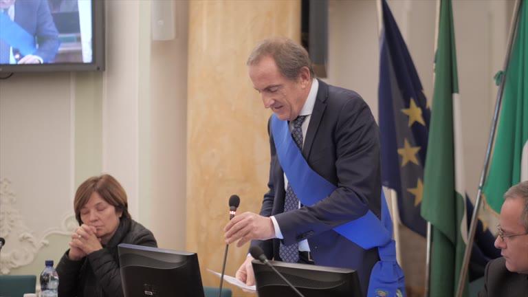 Video: Via al nuovo Consiglio, Antonelli critica il passato ma apre al confronto