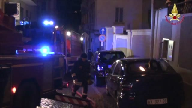 Video: Incendio a Luino, vigili del fuoco al lavoro