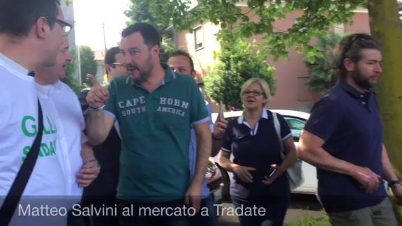 Video: Matteo Salvini al mercato di Tradate