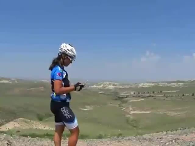 Video: Claudia Ronchetti e la maestosità del deserto