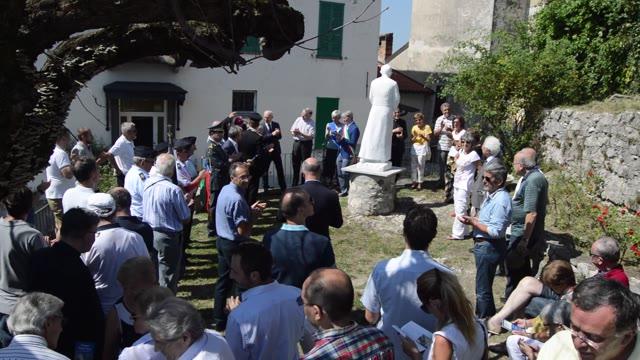 Video: Intitolazione al Sacro monte a Monsignor Pasquale Macchi