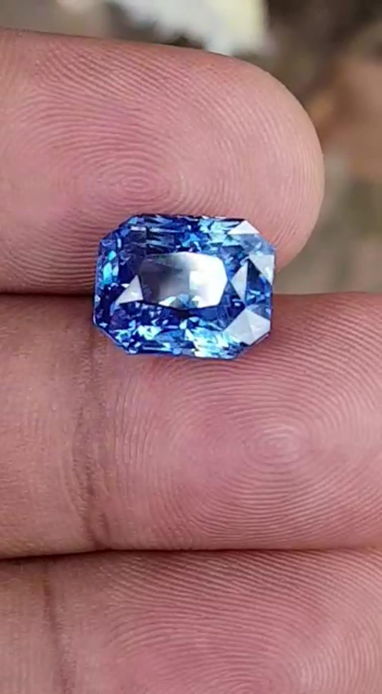 Untreated Platinum Sapphire Engagement ring, GIA Blue