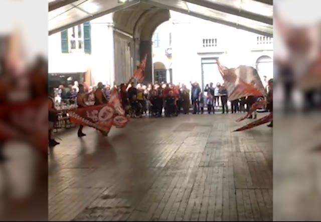 Video: L'arrivo della fiaccola per i 200 anni di Varese