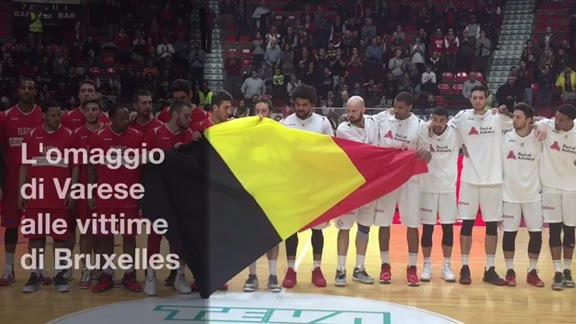 Video: Varese, l'omaggio del basket alle vittime di Bruxelles
