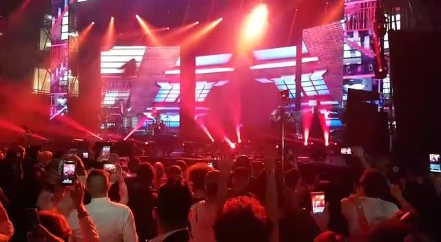 Video: Nicky Jam a Busto Arsizio