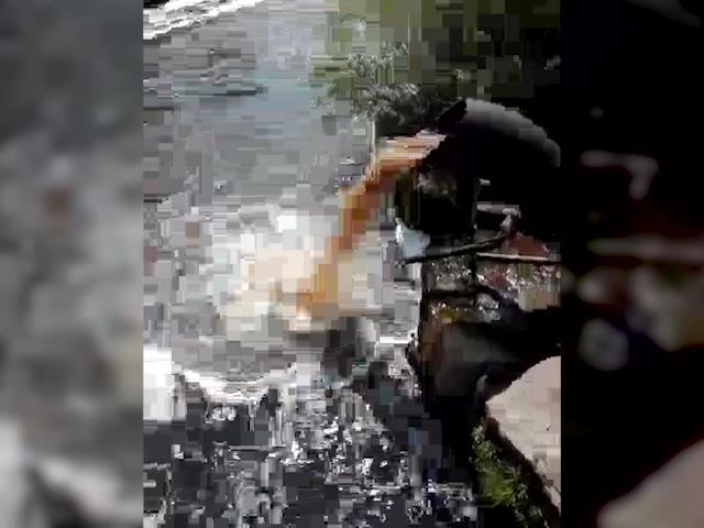 Video: Uno scarico marrone nell'Olona